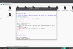 File sorgente aperto nell'editor di testo su Manjaro XFCE